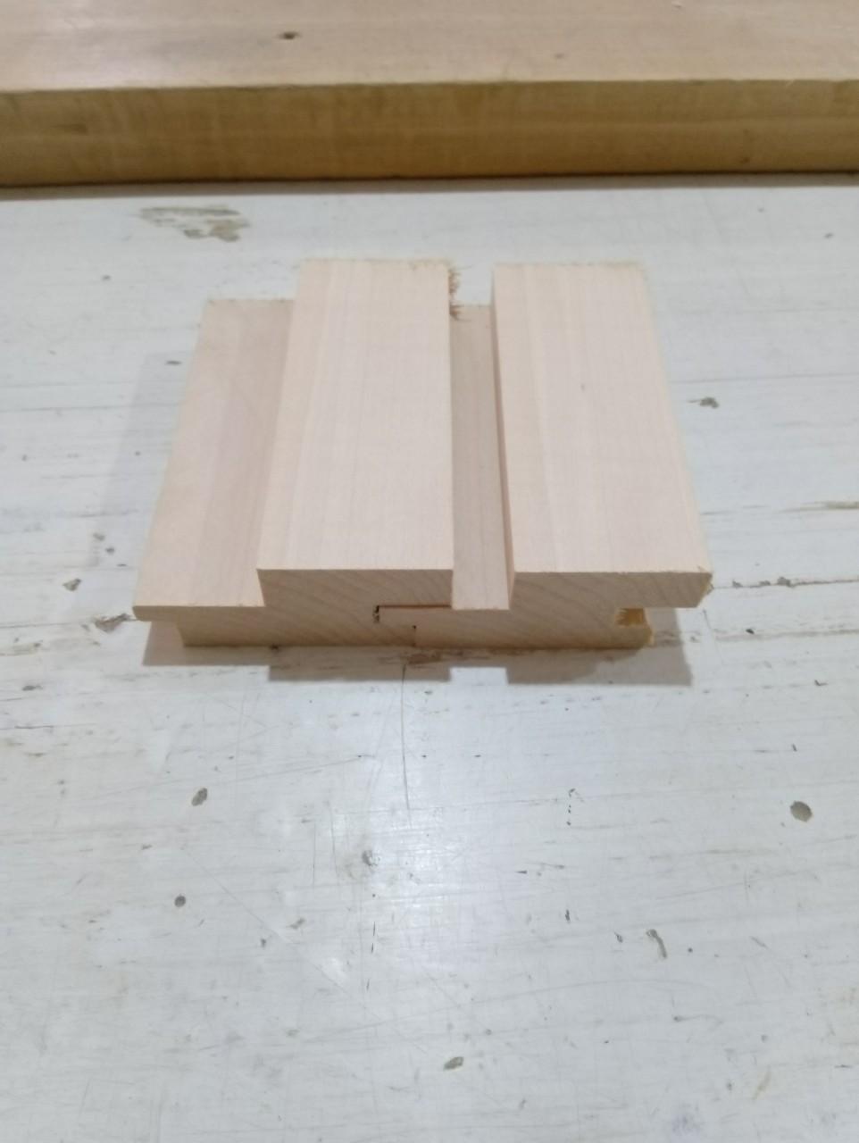 Lamperija za saune Zidna obloga 28/40x60/70/80 od Sibirskog Ariša ARIX